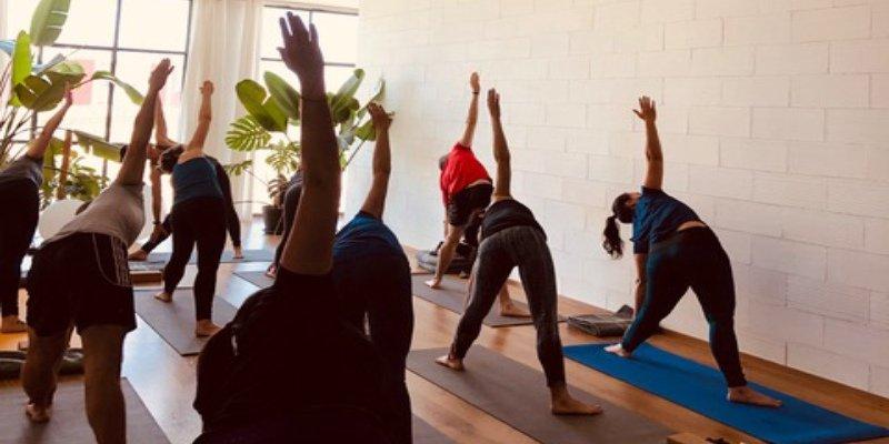 Clase de Sahayak yoga