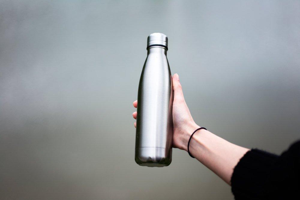 botella reutilizable para evitar botellas de plastico